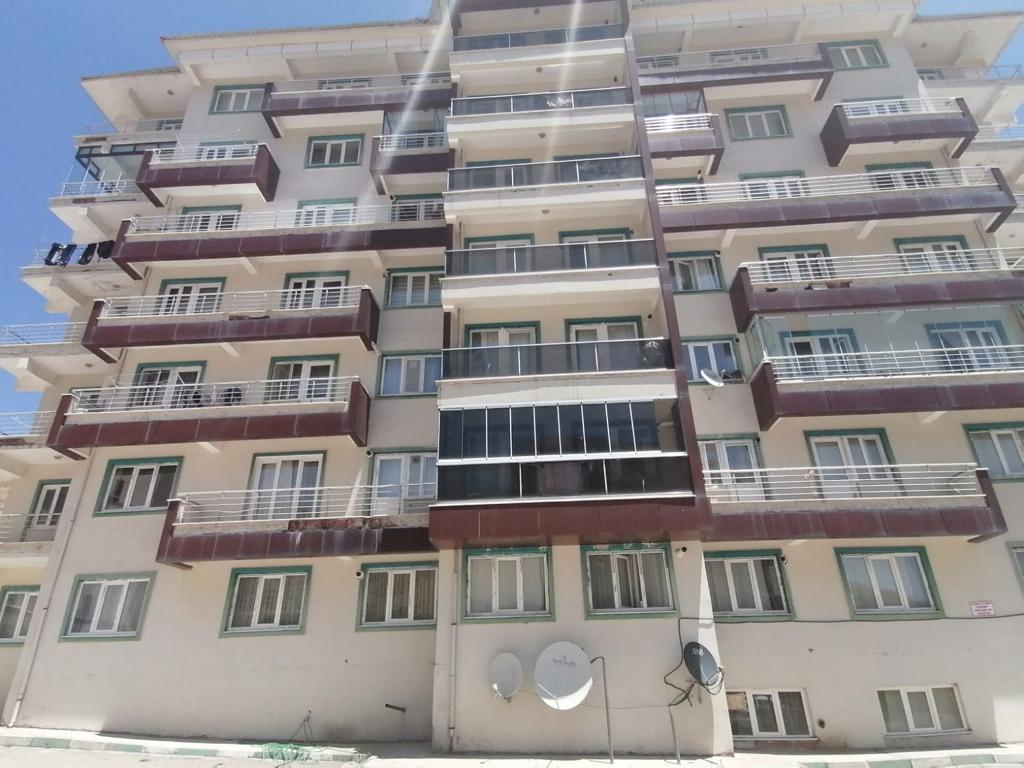 Bitlis Çam Sitesinde Satılık Daire